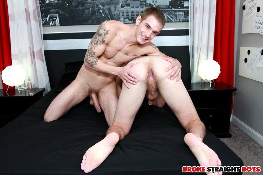 Broke-Straight-Boys-Dakota-Ford-Ian-Dempsey-Straight-Guys-Barebacking-Huge-Cocks-Amateur-Gay-Porn-11 Huge Cock Amateur Straight Boys Barebacking For Cash