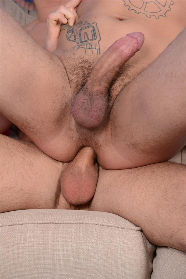 Staxus-Billy-Rubens-and-Mickey-Taylor-Twink-Skater-Gets-A-Huge-Bareback-Cock-Amateur-Gay-Porn-11 Skater Twink Billy Rubens First Ever Bareback Scene