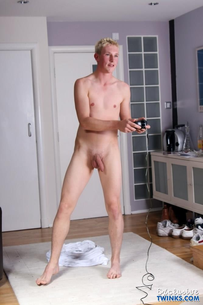 TXXM-Studios-Exclusive-Twinks-Liam-Alexander-Big-Uncut-Cock-Jerk-Off-Amateur-Gay-Porn-12 Twink Liam Alexander Rubs A Big Load Out Of His Uncut Cock