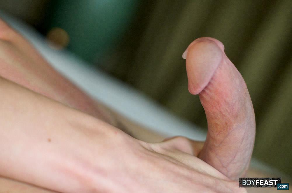 Boy Feast Cooper Steel Twink With A Big Curved Cock 19 18 Year Old Twink Cooper Steel Jerking Is Hard Curved Cock